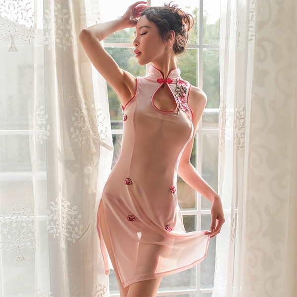 戲劇性旗袍 粉